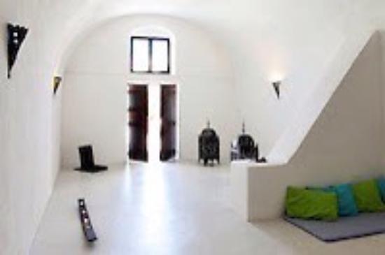 Osho Santorini: photo0.jpg