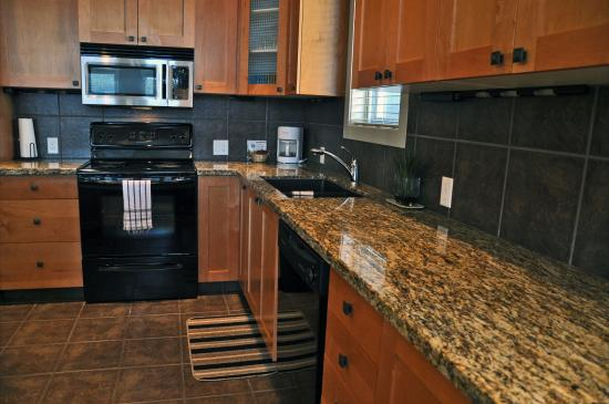 Sooke Harbour Resort and Marina: 4 Bedroom Penthouse Kitchen
