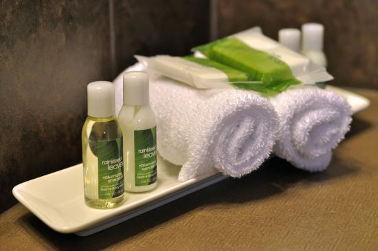 Sooke Harbour Resort and Marina: Bath Amenities