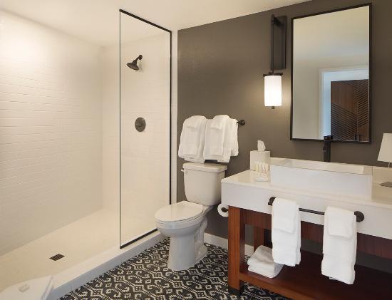 Genial Photo: U201cUpscale Bathroomsu201d