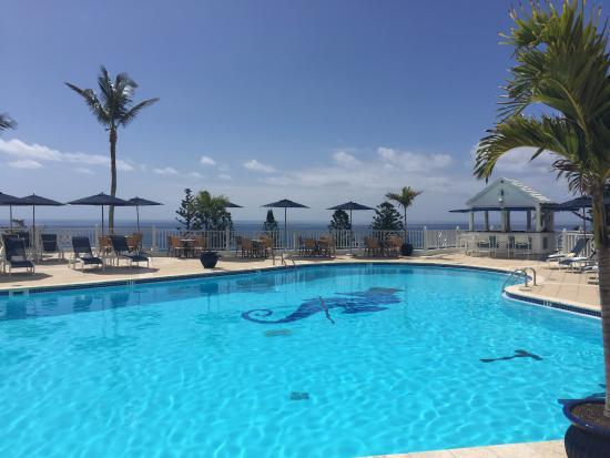 Elbow Beach, Bermuda: pool
