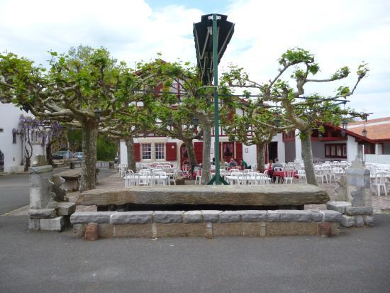 Arcangues, Francia: Place du Fronton