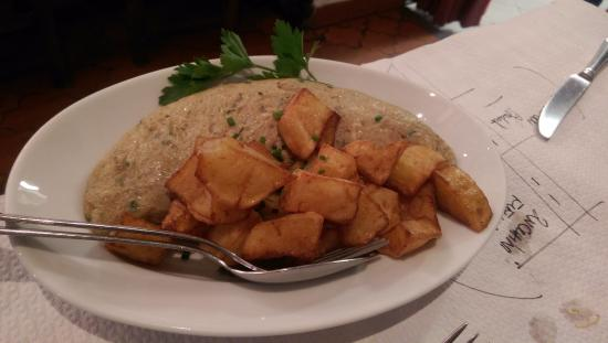 Galerie des Arcades : Artichoke omelet with potato fries