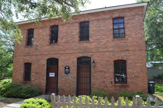‪Old Brunswick County Jail Museum‬