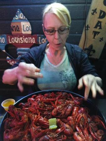 Bastrop, Luizjana: My Friend Arnita, Delighted with the Crawfish
