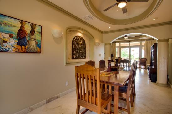 Belizean Cove Estates: Dining Room