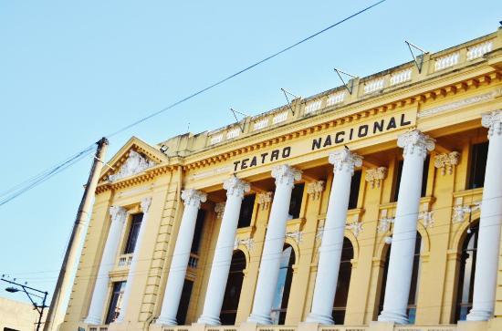 National Theater San Salvador: 劇場の外観