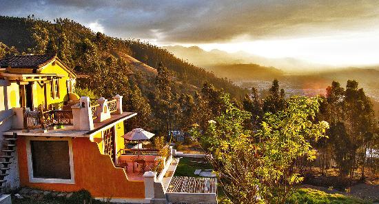 La Casa Sol Otavalo: lcs otavalo atardecer