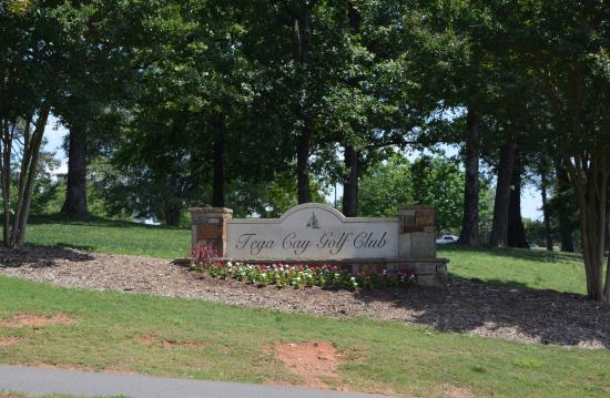 Tega Cay, SC: Old but Good Golf Course