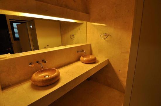 Jolie Hostel : bathroom is very exclusive