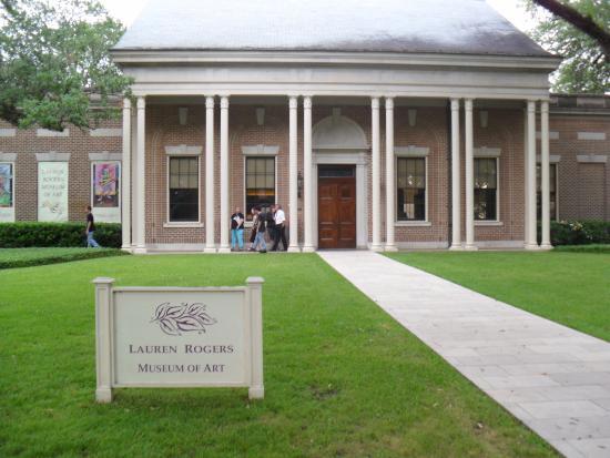 Laurel, MS: Front Entrance
