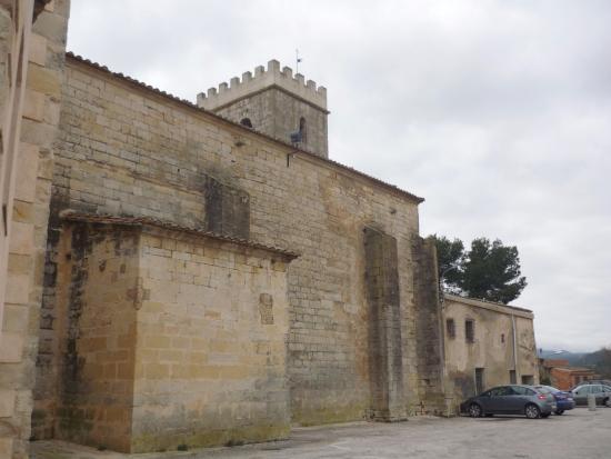 Vimbodi, İspanya: Fachada lateral iglesia