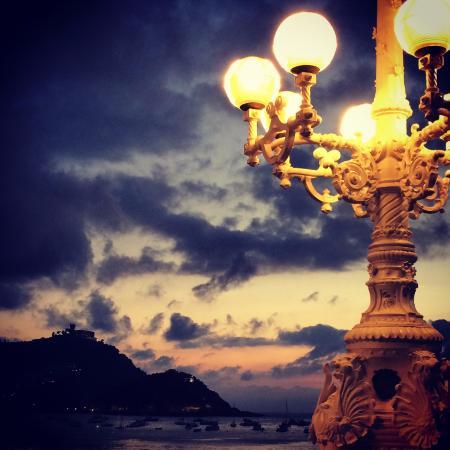 La Concha Beach: Lamp Posts