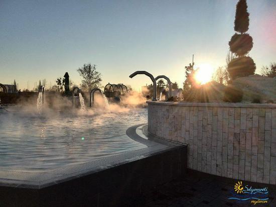 Selyemréti Bath