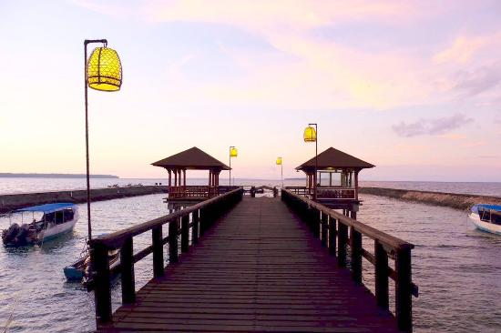 Grand Luley Manado: private jetty