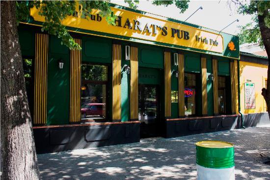 Harat`s Irish Pub
