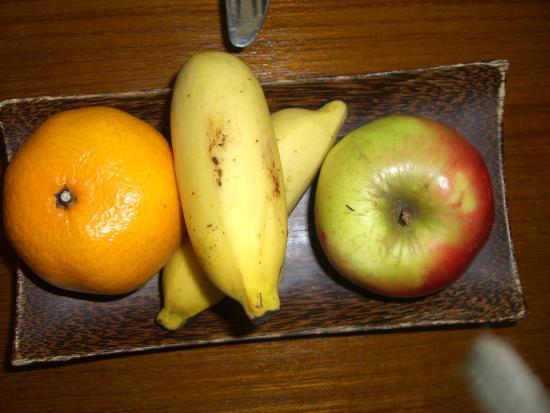 Kuramathi: Fruits dans la chambre pour lune de miel