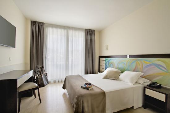 Photo of Hotel Indalo Park Santa Susana
