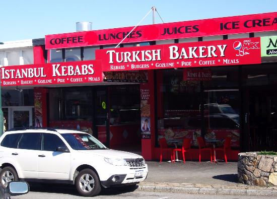 Istanbul Kebabs Turkish Bakery: Front of the restaurant