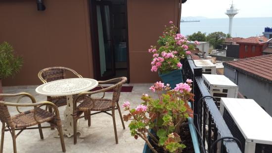 Tashkonak Hotel: Terrace