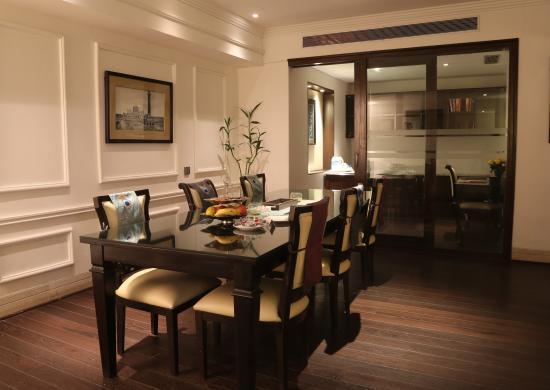 Ashok Hotel: Mini Deluxe Suite - Dining Area