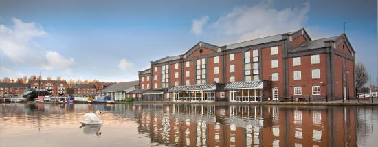 Holiday Inn Ellesmere / Cheshire Oaks: Location