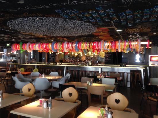 mama shelter bordeaux restaurant photo de mama bordeaux. Black Bedroom Furniture Sets. Home Design Ideas