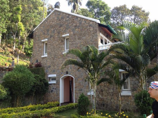 Kaivalyam Retreat: здание с номерами