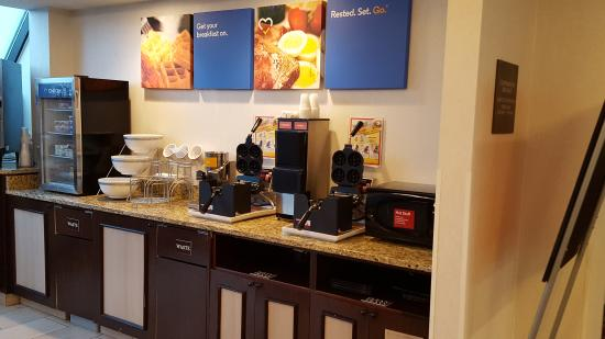 Comfort Inn Madison - Downtown: Make your own waffles!