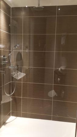Holiday Inn Newcastle - Jesmond: Shower