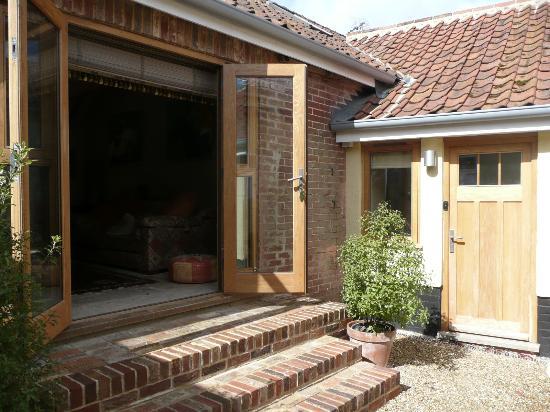 Norfolk, UK: Humbleyard courtyard