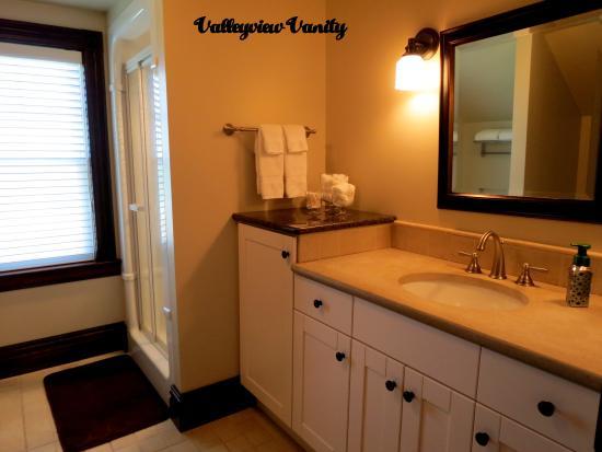 Heathcote Haven Bed and Breakfast: Valleyview Bathroom