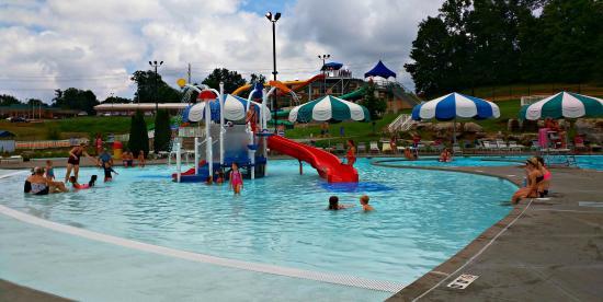 Cape Girardeau, MO: Playground at Cape Splash Family Aquatic Center