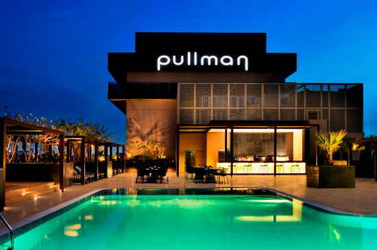 Pullman Dubai Creek City Centre: Roof top pool