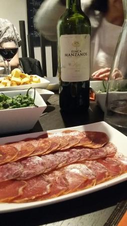 Tapas et Vinos Restaurant : 20160510_211445_large.jpg