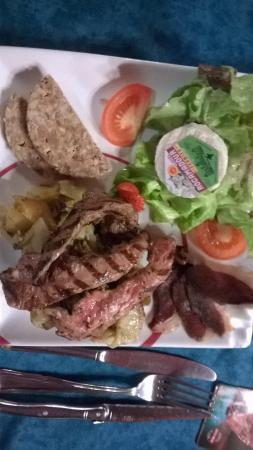 Salignac-Eyvigues, Frankrike: assiette du chef 16 €