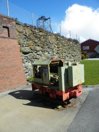 Avaldsnes, النرويج: A small engine once used to move oar from the mines