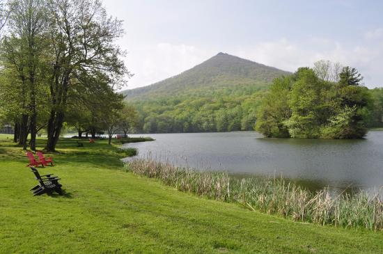 Bedford, VA: by the lake