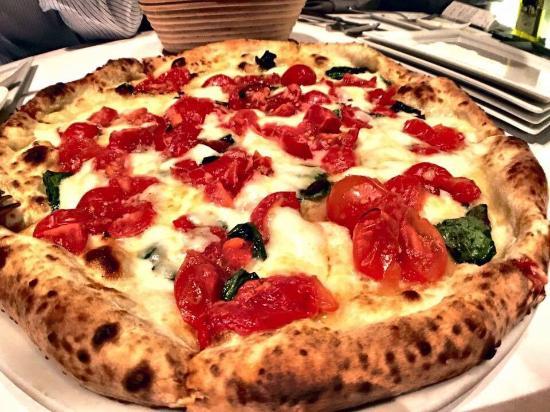 Hot Tomato Ny Style Brick Oven Pizza Italian Restaurant At