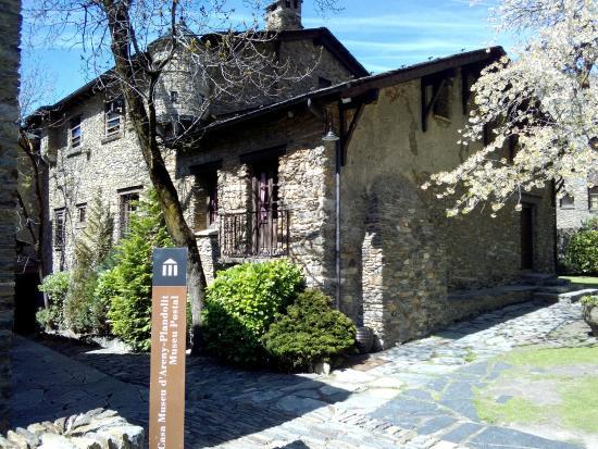 Museu Casa d'Areny-Plandolit: фото1