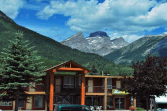 Canadas Best Value Inn & Suites: Welcome to Canadas Best Value Inn & Suite Fernie
