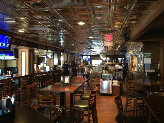 Kal Sports Bar & Grill