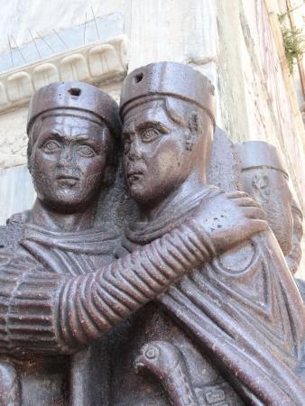 Venezia esterno della basilica di san marco i tetrarchi for Esterno basilica di san marco