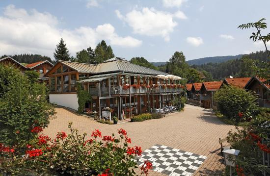 Hotel Bayerischer Wald: Zentralgebäude mit Restaurant und Tagungsraum