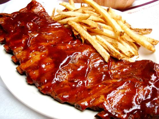 Fox & Hound Restaurant: slow cooked ribs