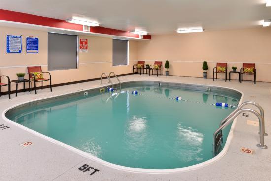 Americas Best Value Inn Brandenburg: Pool