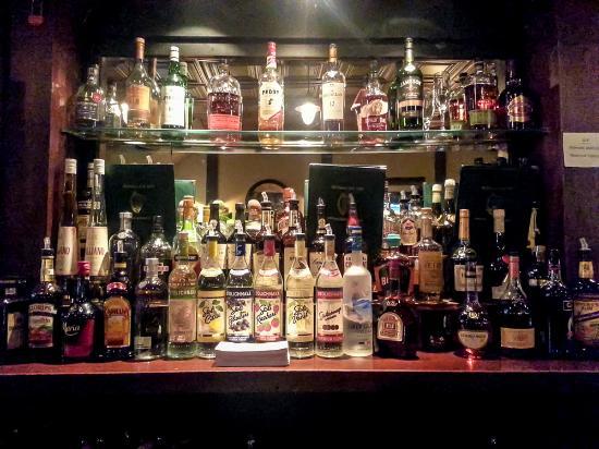 Mulligan's Pub: The Bar