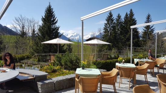 Schonried, Schweiz: Blick vom Frühstückstisch