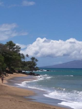 Kahana Beach Resort: We were on the beach