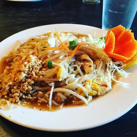 Thai Spice: Totally love their Pad Thai. Best one if ever had.